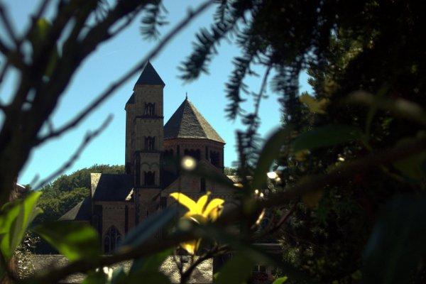 Abtei Maria Laach/Maria Laach Abbey. Tommy Schmucker 18/08/2012. [CC BY-SA 3.0]